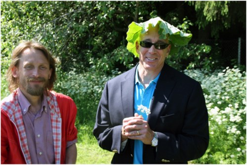 Ambassador Oreck and Ms. Cody Oreck visited the charming Kumpula School Garden on June 15. Host Janne Länsipuro (in the photo) styled a fashionable rhubarb summer hat for the Ambassador as it was a warm and sunny day!