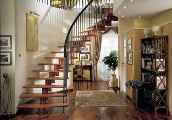 Винтовая лестница в загородном доме Diprisstudio