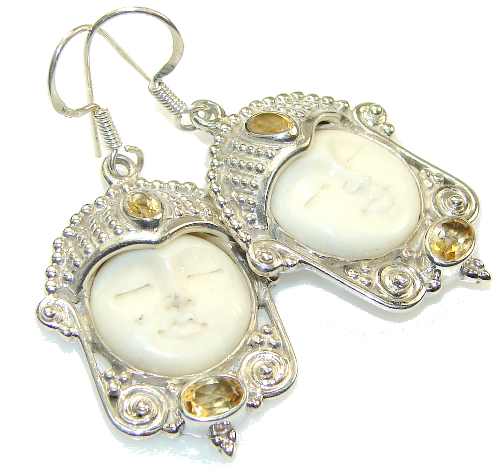 Fashion! White Moonface Sterling Silver earrings