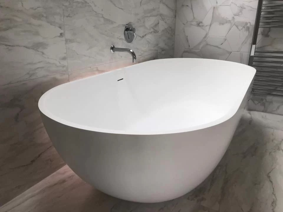 Freestanding Bath vs Built-in Tub: Which One Should You Choose?