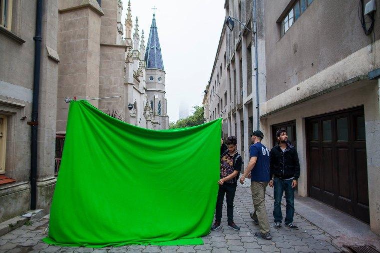 Exterior green screen 00