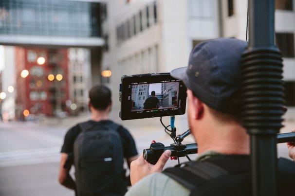 st_louis_rises_5-Kristian filming Jon