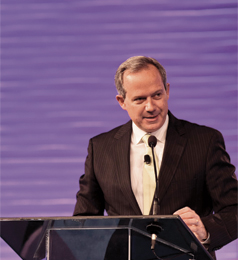 Alessandro Carlucci, CEO of Natura and Chairman of the WFDSA, gave the keynote address.