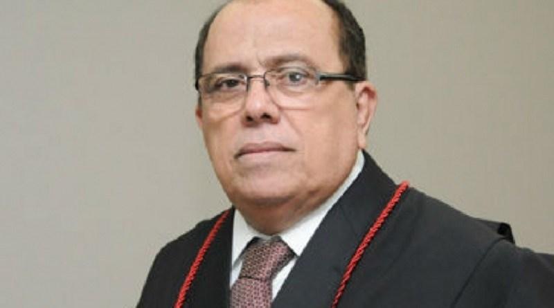 STJ condena des.Carlos Feitosa à perda do cargo e prisão