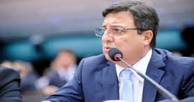 Deputado Danilo Forte (PSDB-CE) quer saber quanto plataformas de streaming pagam a cantores e compositores