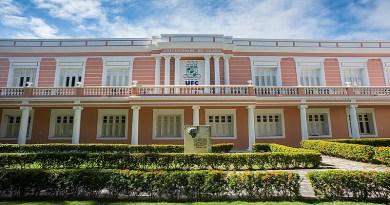 Prof. Adriano Pinto nega legitimidade jurídica da ADUFC/SINDICATO para representar comunidade universitária