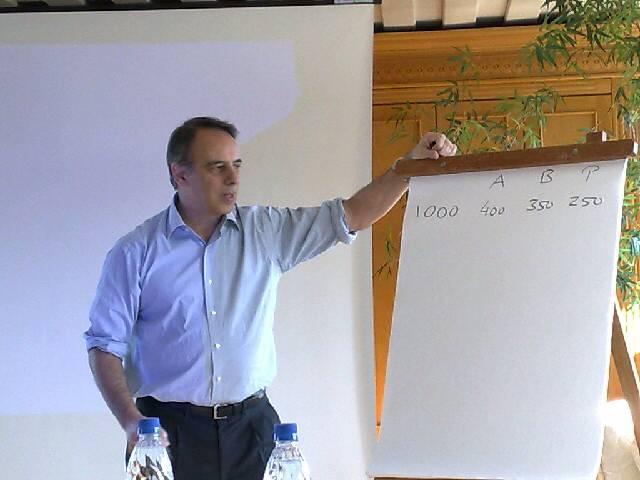Pofessor Juan Cachanosky