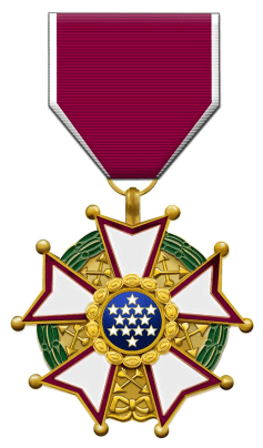 800px-Us_legion_of_merit_legionnaire