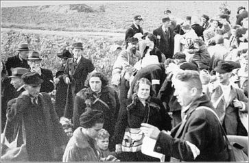 arrival-of-jews-at-the-westerbork-transit-camp-the-netherlands-1942