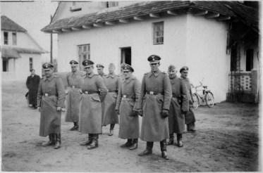 belzec_-_ss_staff_1942