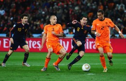 Xavi+Hernandez+Netherlands+v+Spain+2010+FIFA+a8_XfsWGX6bl