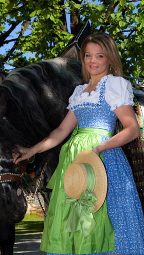 Lanz Dirndl - Salzburger Blau, Schürze apfelgrün