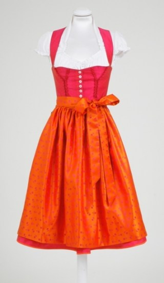Dirndl rot/orange, Daniel Fendler