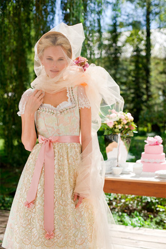 Brautdirndl Silk & Pearls - Dirndl Hochzeit Bayern