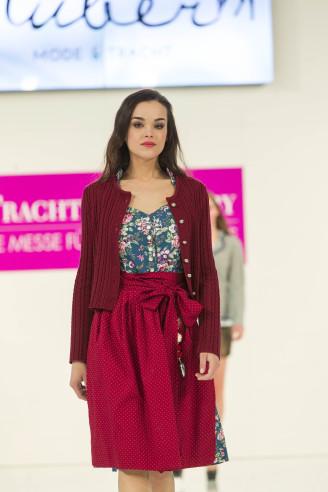 Blumendirndl geknöpft von Huber Mode und Tracht