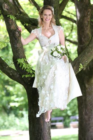 Astrid Söll Hochzeitsdirndl