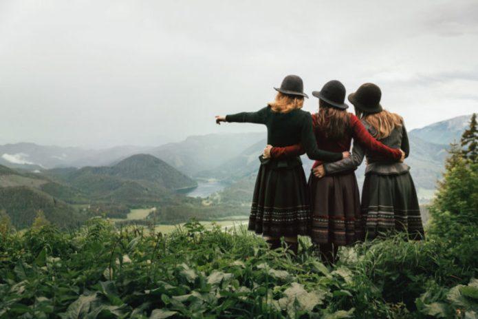Walkjanker zum Dirndl oder zum Trachtenrock aus Österreich - Lena Hoschek Tradition 2018/2019