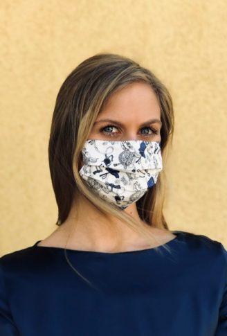 """Masken online kaufen bei Susanne Spatt - Schutzmaske mit Blumenmuster für die """"neue Normalität"""""""