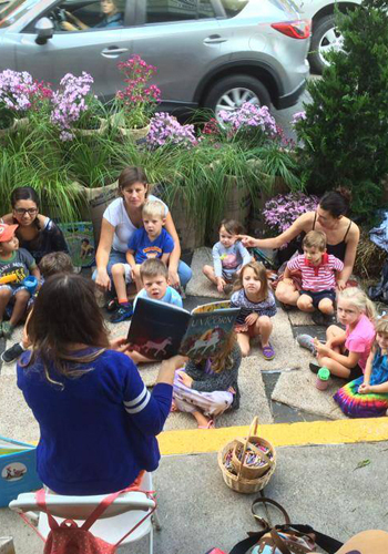 Story time on PARK(ing) Day / PARKing for People