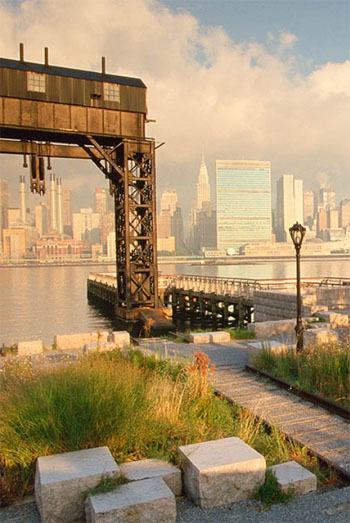 Gantry Plaza State Park / Thomas Balsley Associates