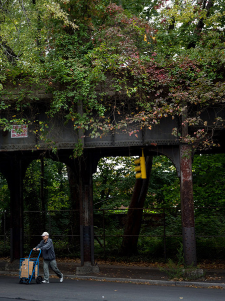 QueensWay elevated track / The New York Times.
