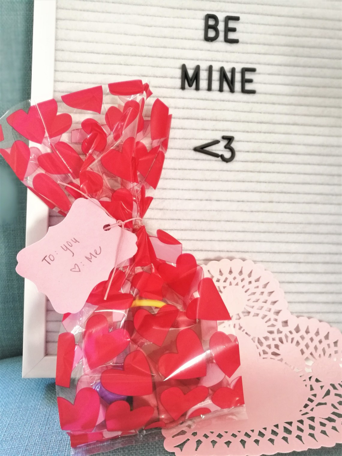 Valentine's Day, Valentine's Day Gift Bags, Valentine's Day ideas, gift bags, hobby lobby, walmart, dollar tree, budget, gift, treat bags, goodie bags, holiday, Valentine, February, Love