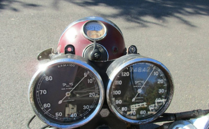 dirtyoldcars.com 1952 Vincent Series C Touring Rapide Found in Ojai 3