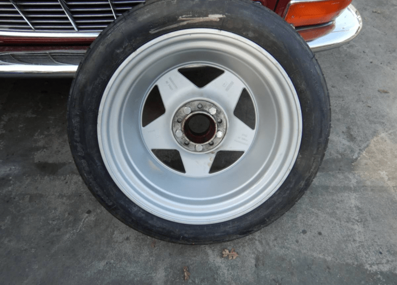 dirtyoldcars.com   Ferrari Testarossa Center Lug Spare Wheel Found in Los Angeles   2