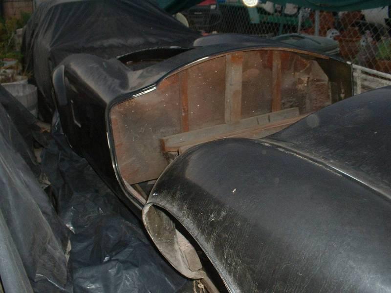 dirtyoldcars.com  AC Cobra Mold  14