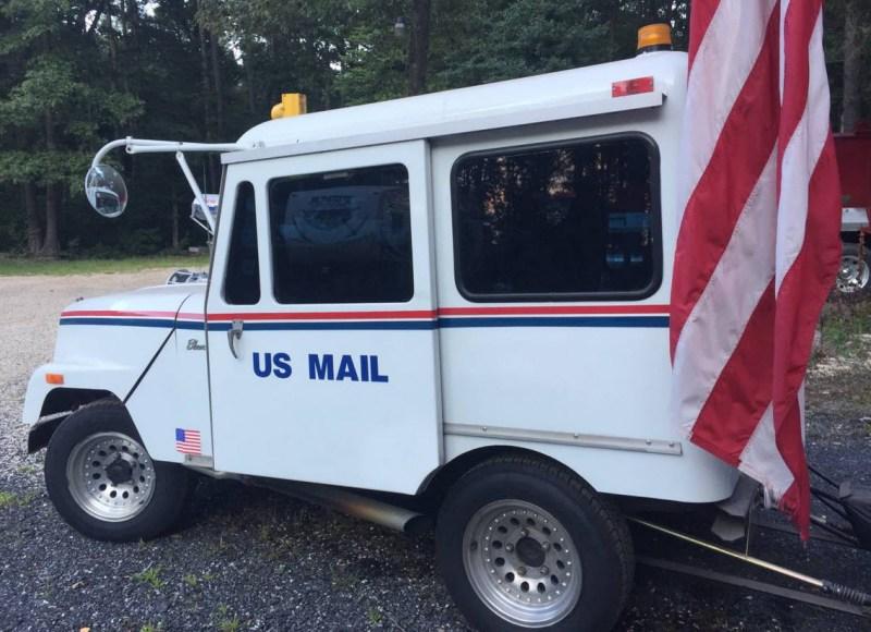 dirtyoldcars.com   Mail Truck Hot rod Blower motor  2