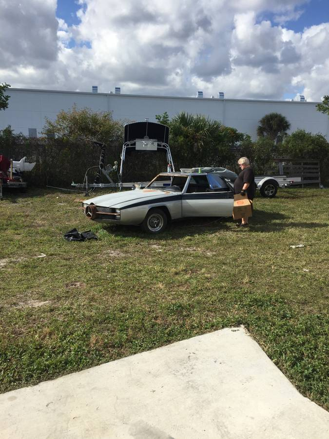 dirtyoldcars.com  george barris custom mercedes 450SL  Florida  18