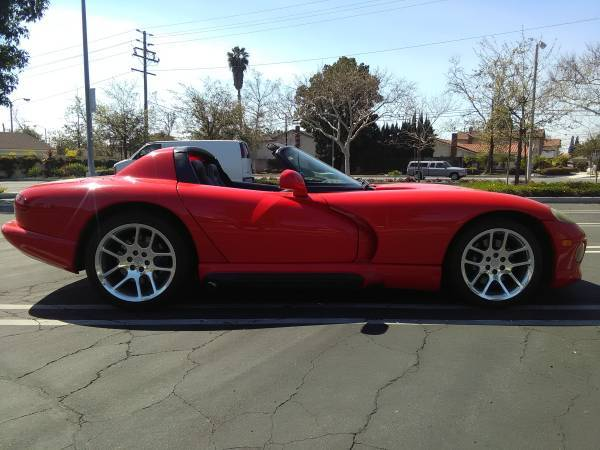 dirtyoldcars.com 1993 Dodge Viper red 25k  1