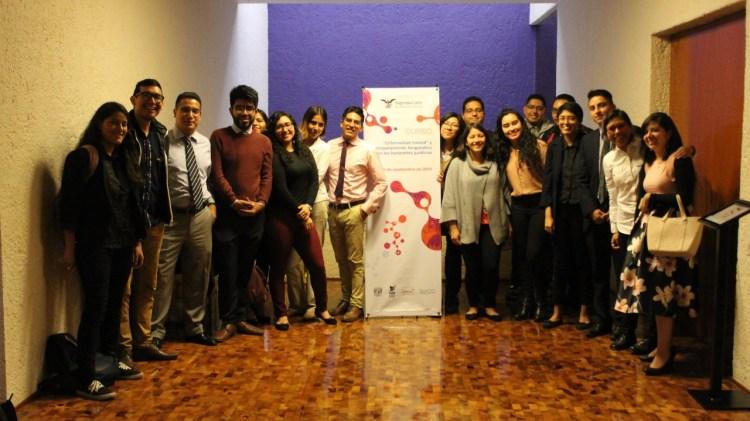 Foto grupal del equipo de la Clínica Jurídica de la UNAM