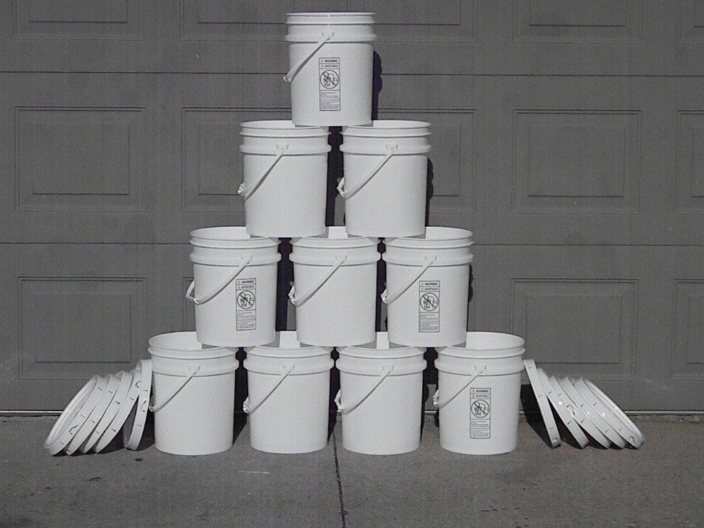 **10 - 5 gallon Food Grade Bucket / Pail / Container Hydroponic Storage WITH LID 1