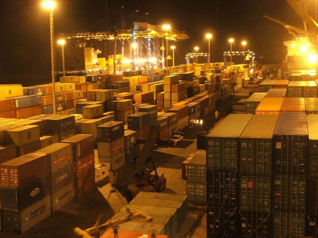 Port of Tema, Ghana. Source: SteKrueBe via Wikimedia Commons.