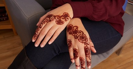 Clients can have their skin decorated with a choice of henna design and a four-inch temporary tattoo; bridal henna is also on the cards for AED49.00 at Discount Sales.