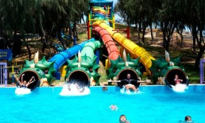 Umm Al-Quwain: Up to 2-Night 4* Stay with Dreamland Entry
