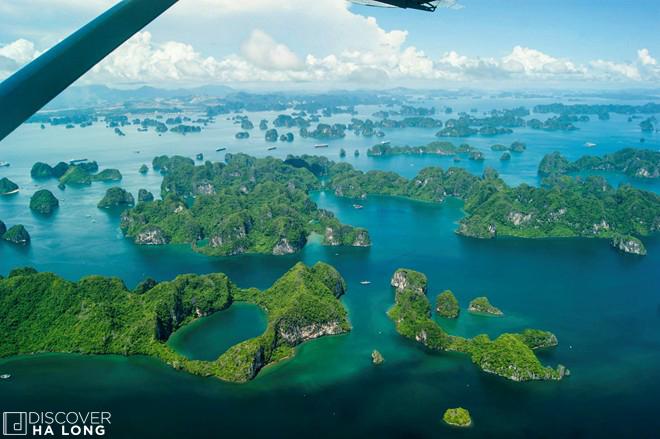 bai-tu-long-bay-vietnam-view-sea-plane