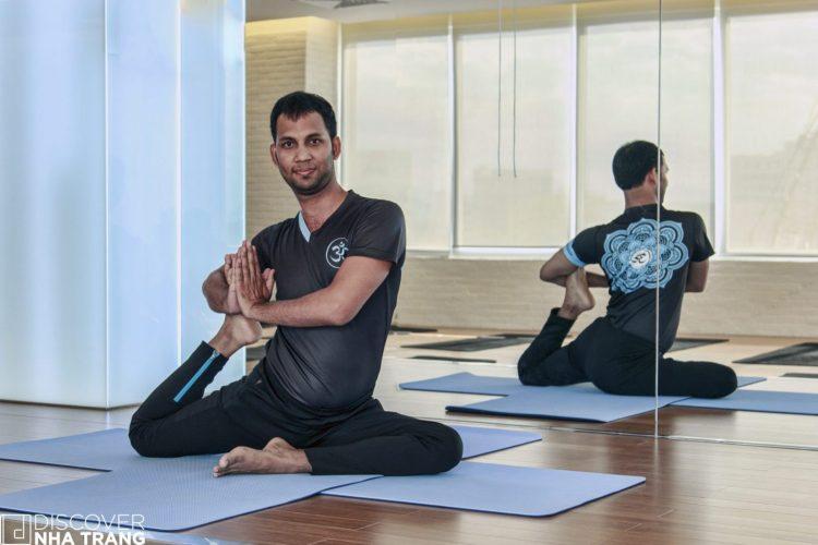 yogi-at-california-fitness-and-yoga-nha-trang