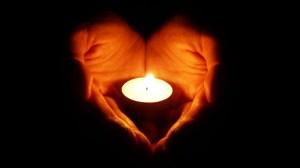 yartzeit candle heart hands