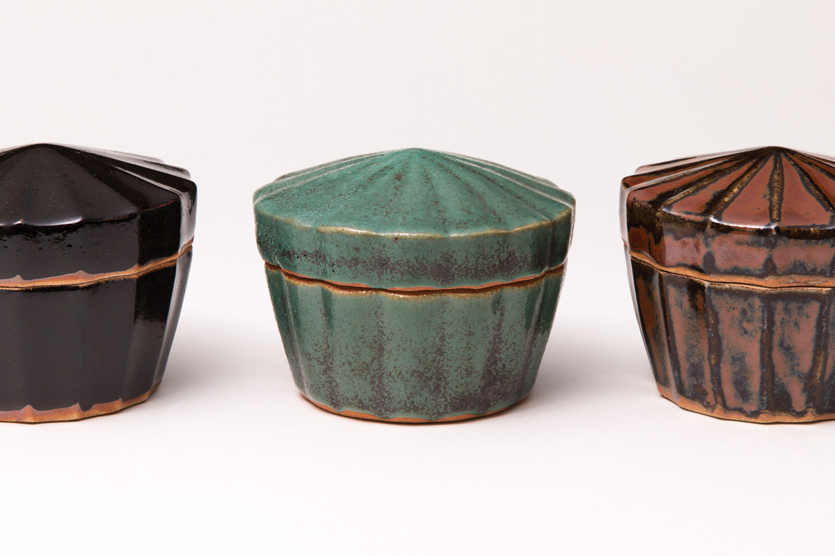 History-Of-Japanese-Ceramics-Shinsaku-Hamada-Lidded-Boxes