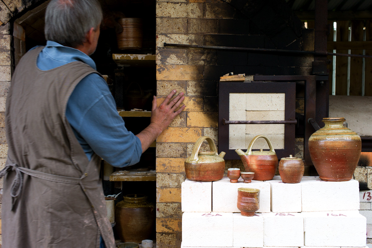 Phil-Rogers-Emptying-Wood-Fired-Kiln