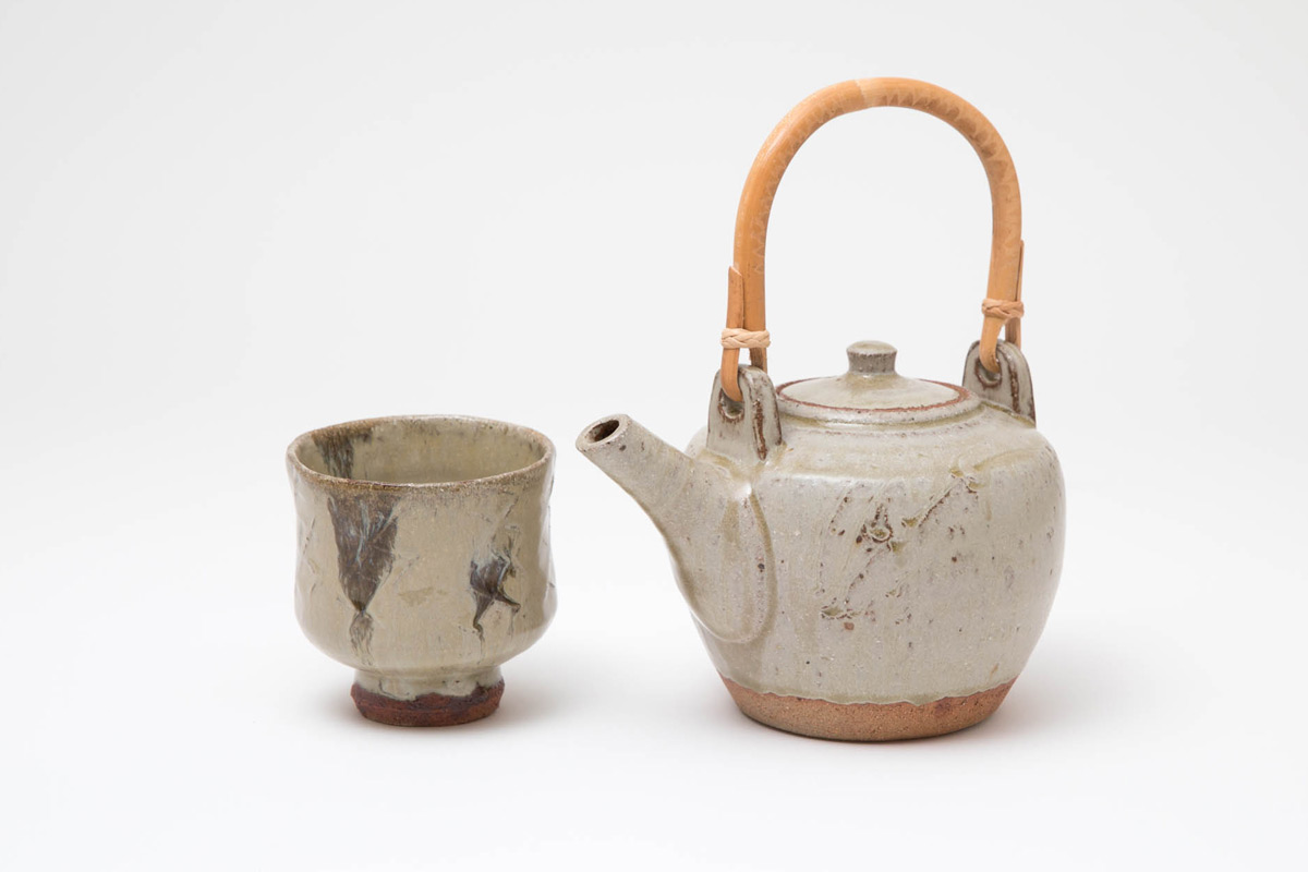 Jim-Malone-Ceramics-Exhibition-Celebration-Teapot-and-Yunomi