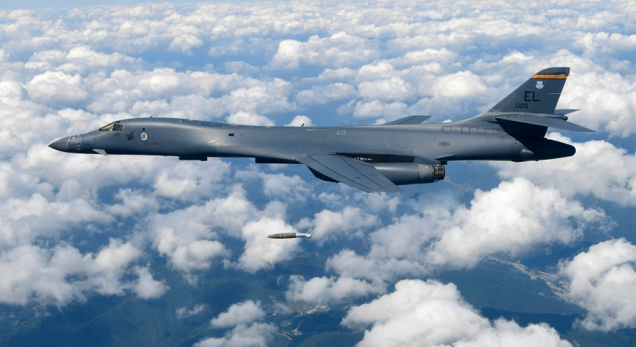 U.S. aircraft flew across the Korean Peninsula and practiced attack capabilities by releasing live weapons at a training area/ Photo credit/AFP