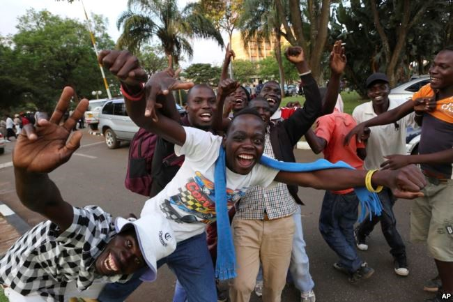Zimbabweans celebrate in Harare, Nov, 21, 2017, after the resignation of President Robert Mugabe. Credit/VoA