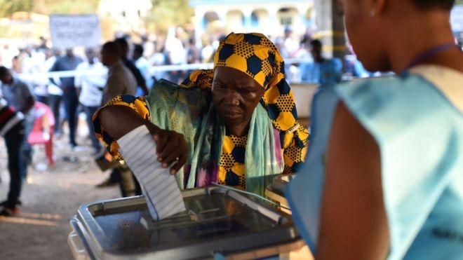 Sierra Leonean votes today. Credit/BBC
