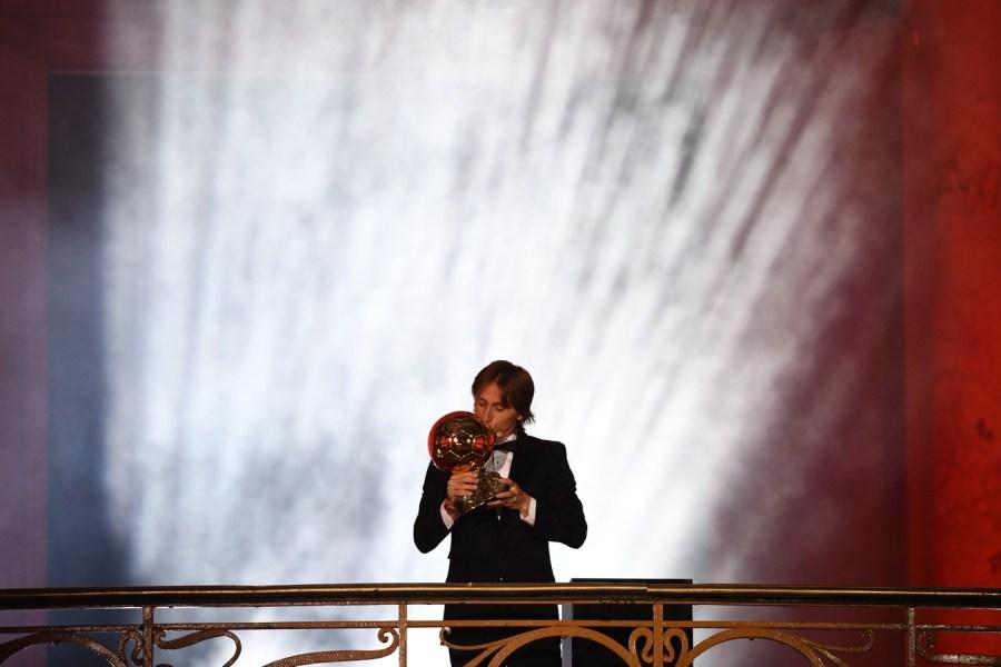 Luka Modric lifts 2018 Ballon d'Or