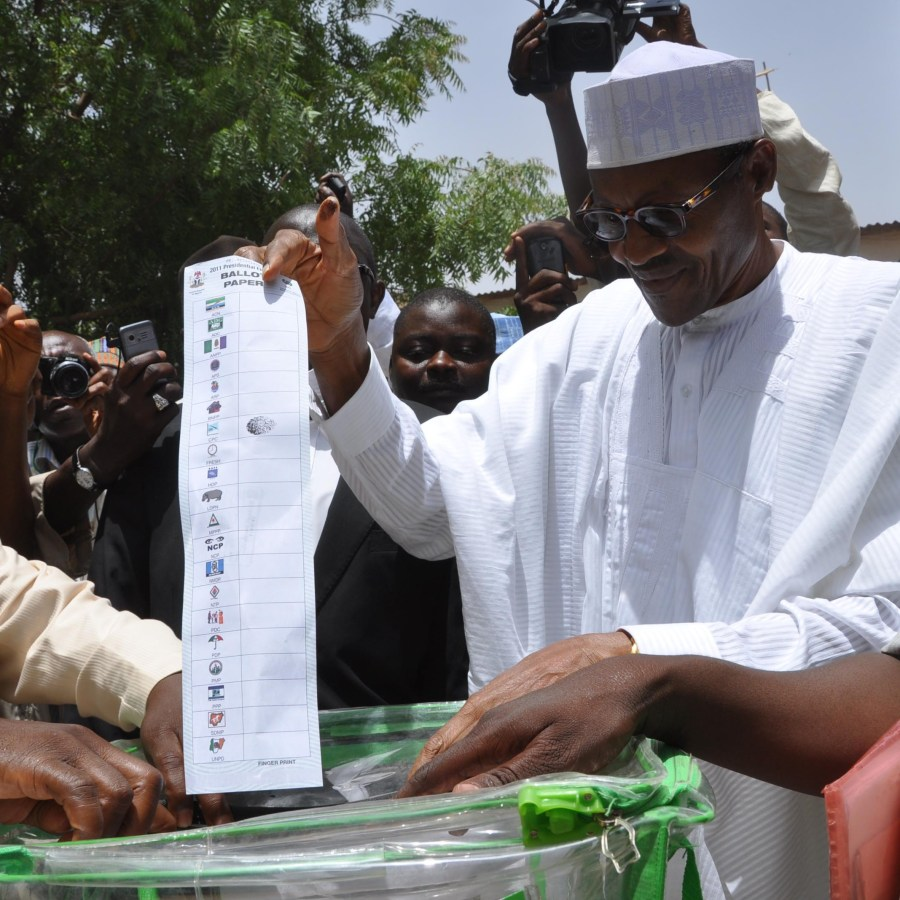 Muhammadu Buhari casts his vote in 2015