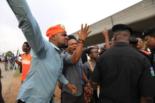 Security agents, #RevolutionNow protesters faceoff in Lagos