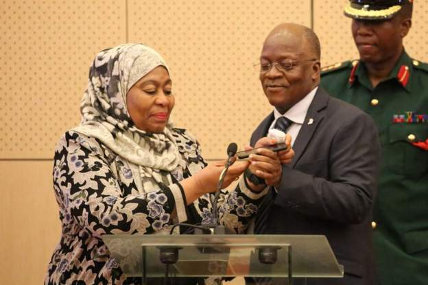 Following the death of Magafuli, Vice-President Samia Hassan (l) is set to be sworn in as president